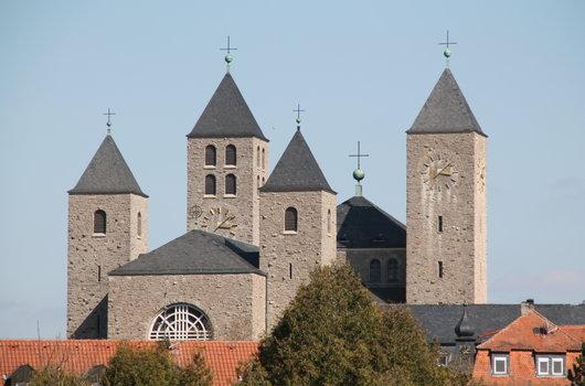 Kirchen & Pfarreien